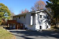 371 Clearview Dr, Long Pond, PA 18334