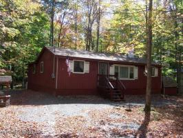 198 Wyalusing Dr, Pocono Lake, PA 18347