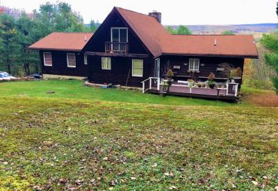 Photo of 332 Mountain View Dr, Kunkletown, PA 18058