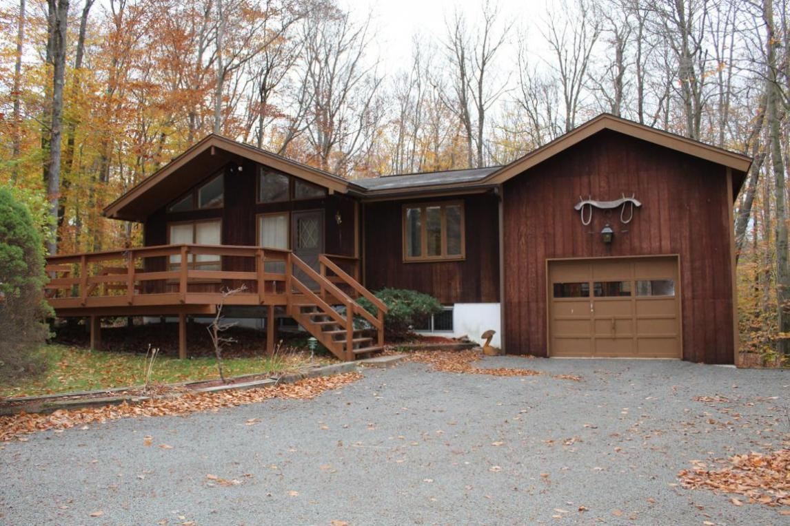 1337 Redwood Ter, Pocono Pines, PA 18350