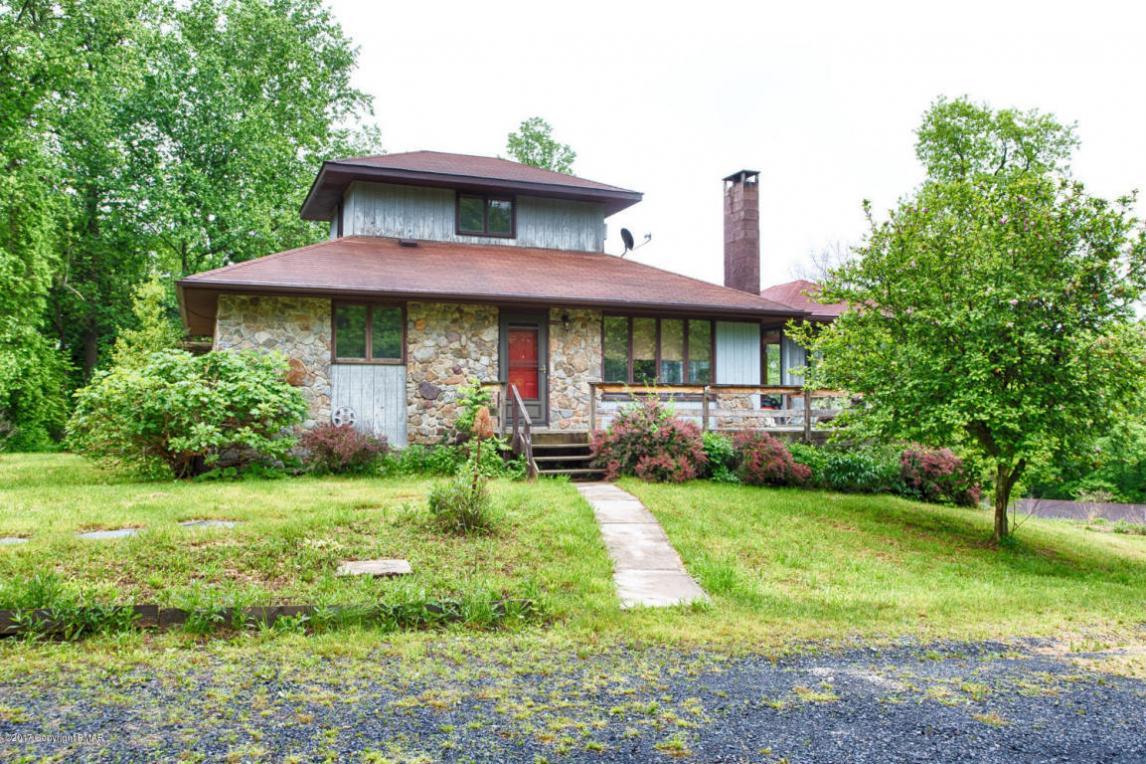 1855 Ridge Rd, Bangor, PA 18013