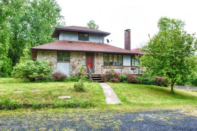 Photo of 1855 Ridge Rd, Bangor, PA 18013