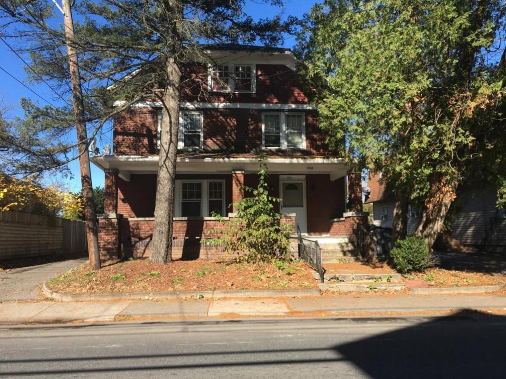 1126 W Main St, Stroudsburg, PA 18360
