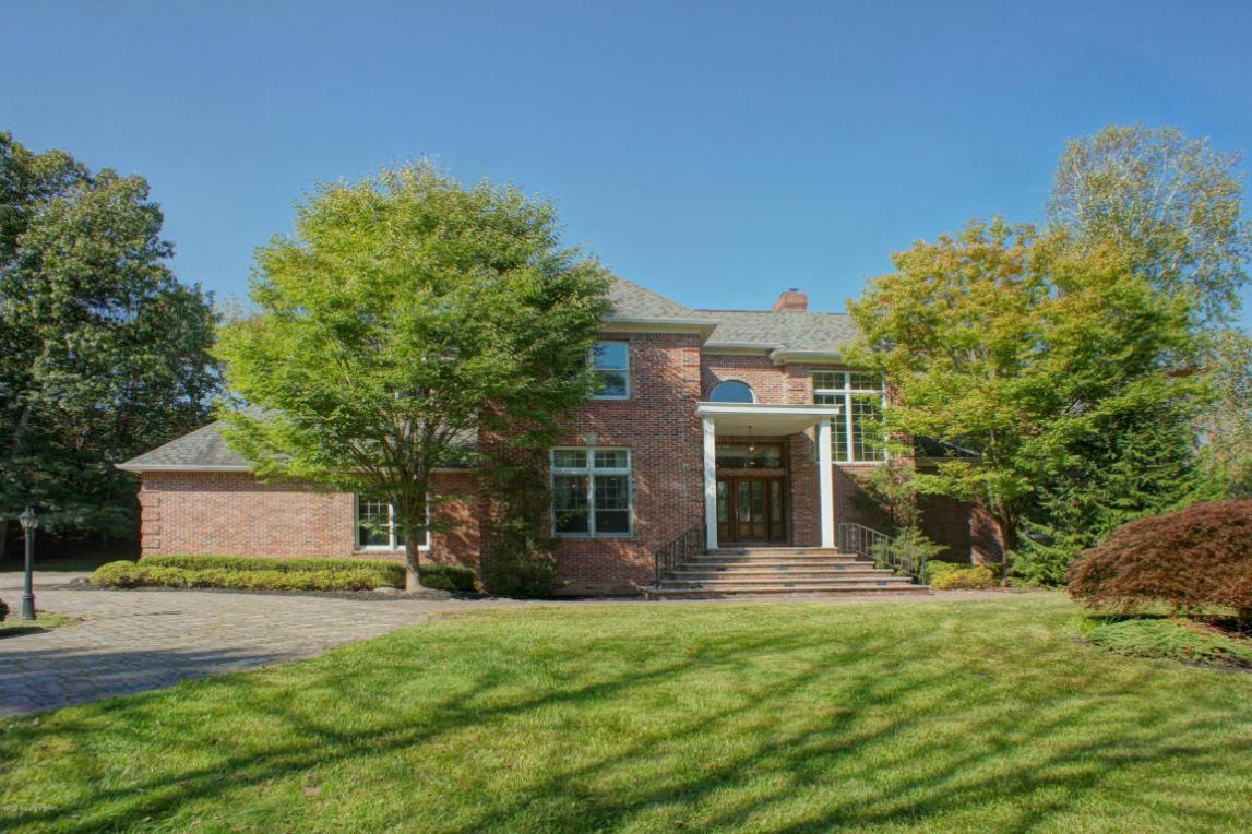 441 Hidden Lake Drive, East Stroudsburg, PA 18302