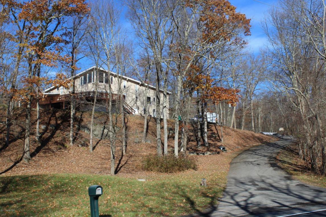 911 Resica Falls Rd, East Stroudsburg, PA 18302