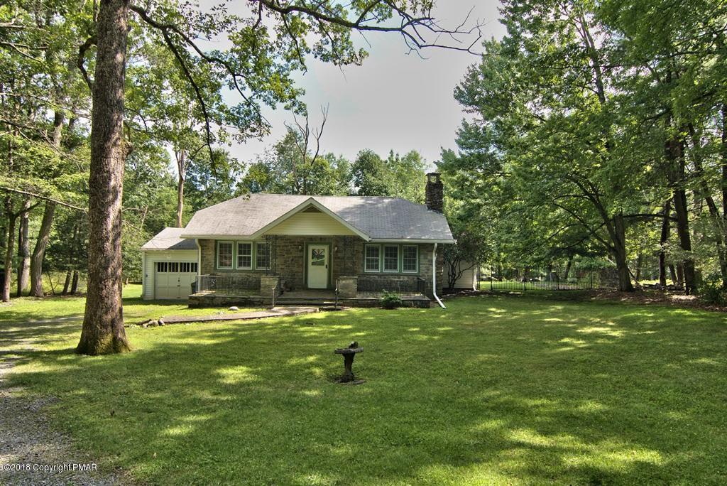666 Lenape Lane, Buck Hill Falls, PA 18323