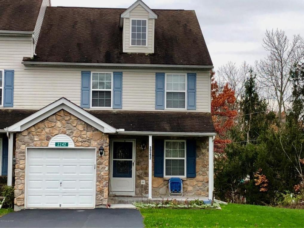 2242 Meadowsage Ct, East Stroudsburg, PA 18301