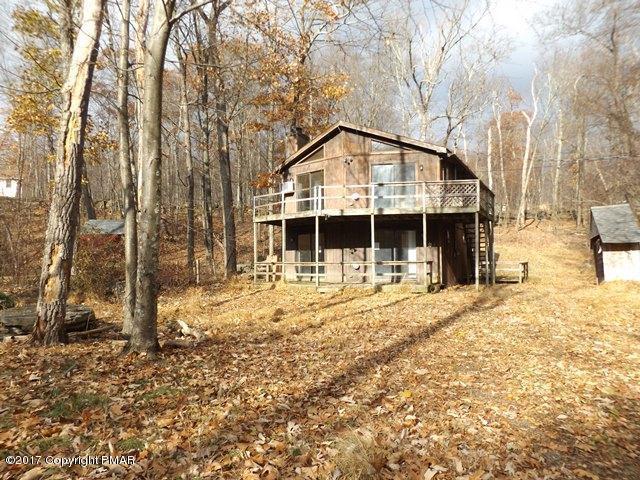 1221 Hawk Nest Ct, East Stroudsburg, PA 18302