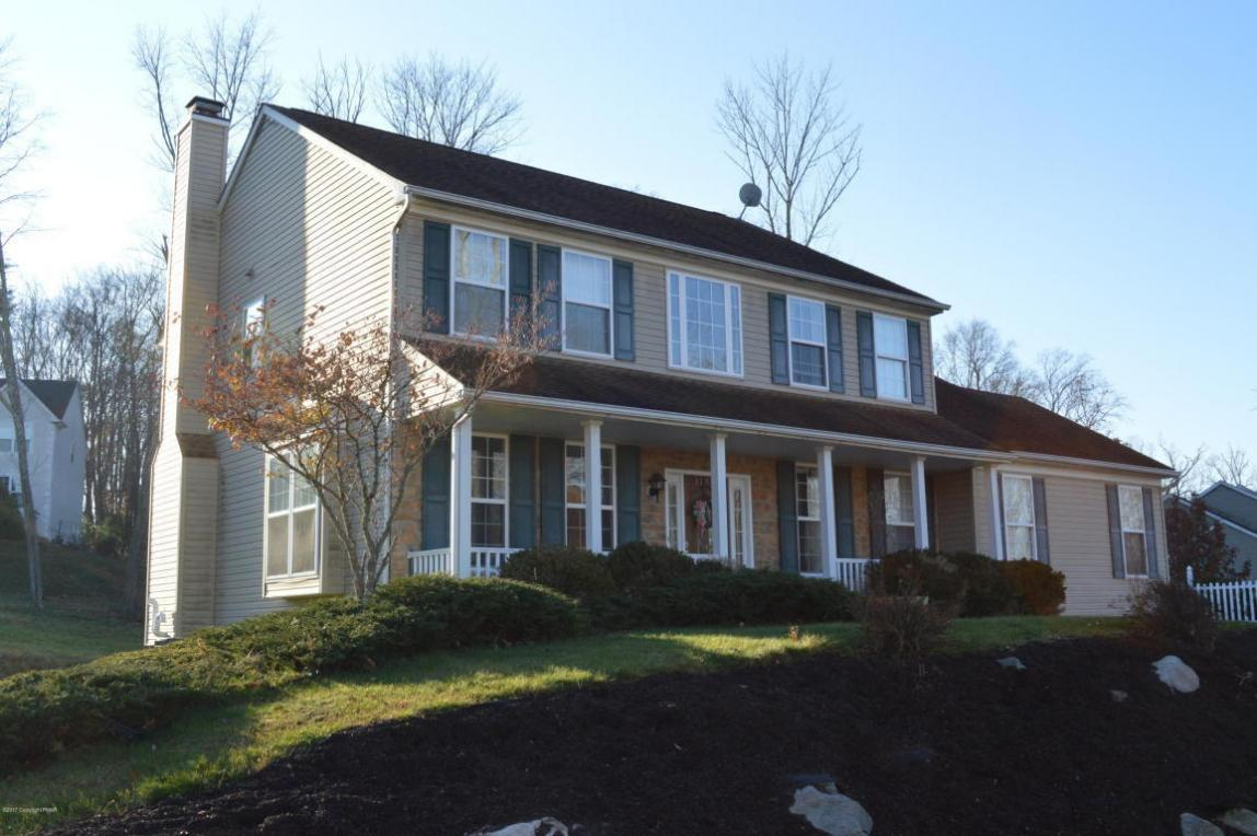 3150 Hollow Dr, East Stroudsburg, PA 18301