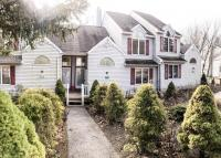 76 Laurelwoods Dr, Lake Harmony, PA 18624