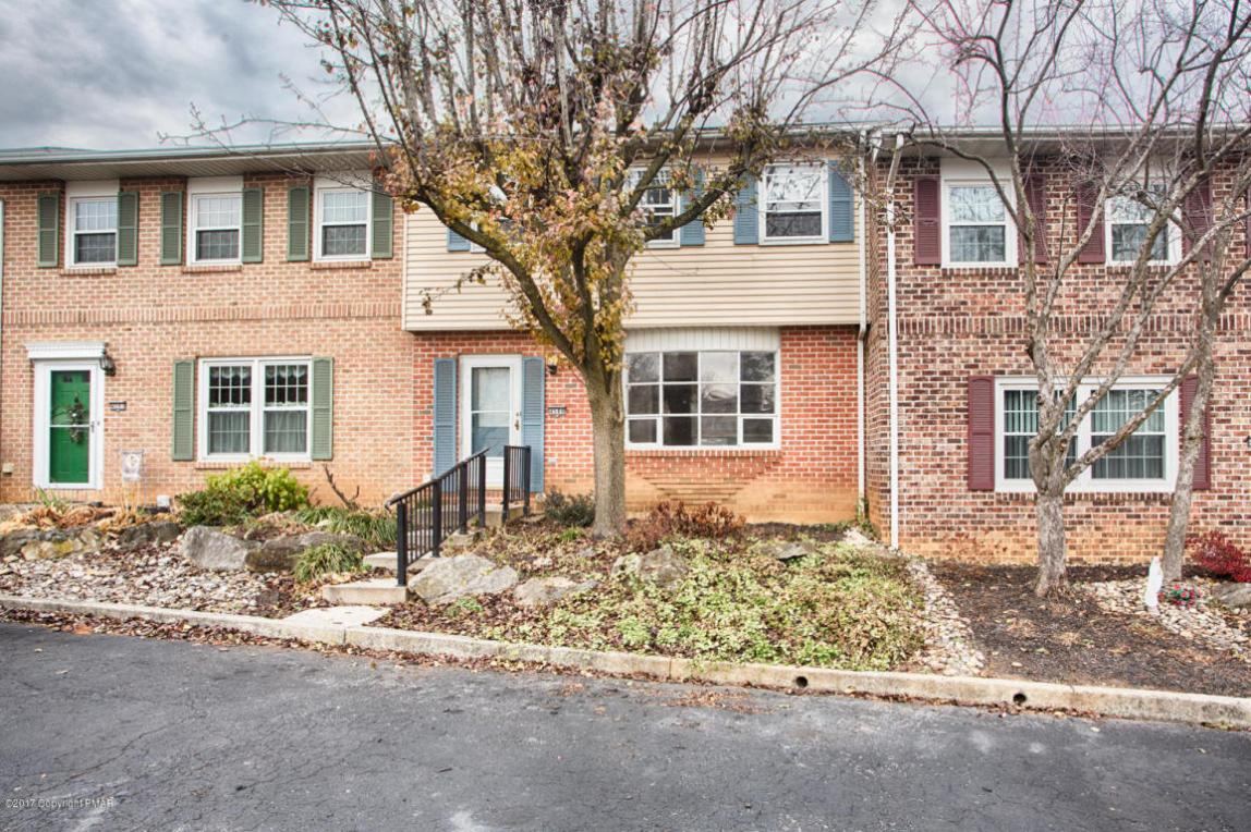 4589 N Hedgerow Dr, Allentown, PA 18103
