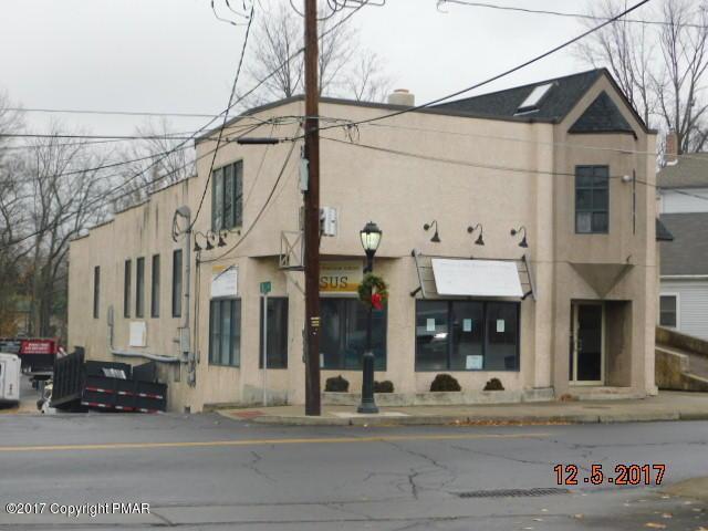 21 N Courtland St, East Stroudsburg, PA 18301