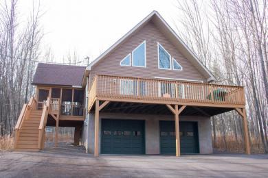 1492 Woodhill Ln, Lake Ariel, PA 18436