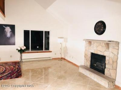 Photo of 248 Overland Dr., Long Pond, PA 18334