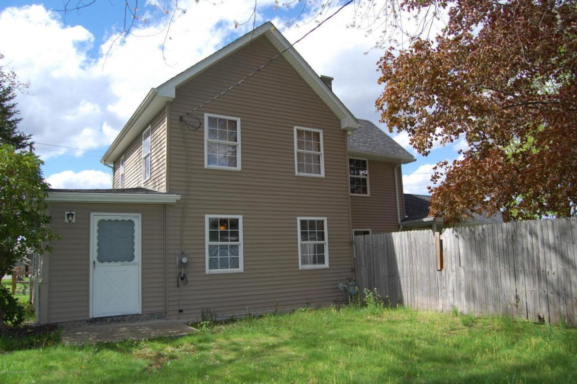 476 King St, East Stroudsburg, PA 18301