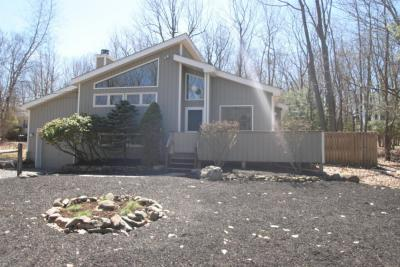 Photo of 112 Sycamore Ln, Long Pond, PA 18334