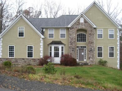 3119 Hollow Dr, East Stroudsburg, PA 18301
