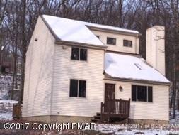 1073 Maple Lake Dr, Bushkill, PA 18324