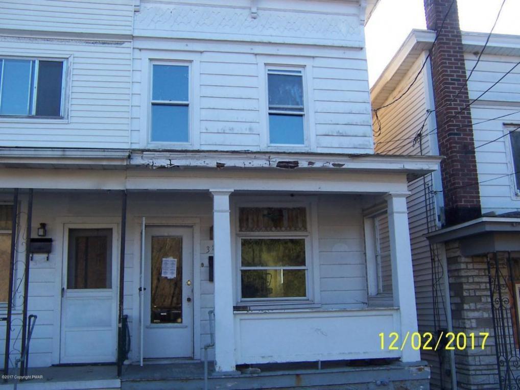 384 W Snyder Ave, Lansford, PA 18232