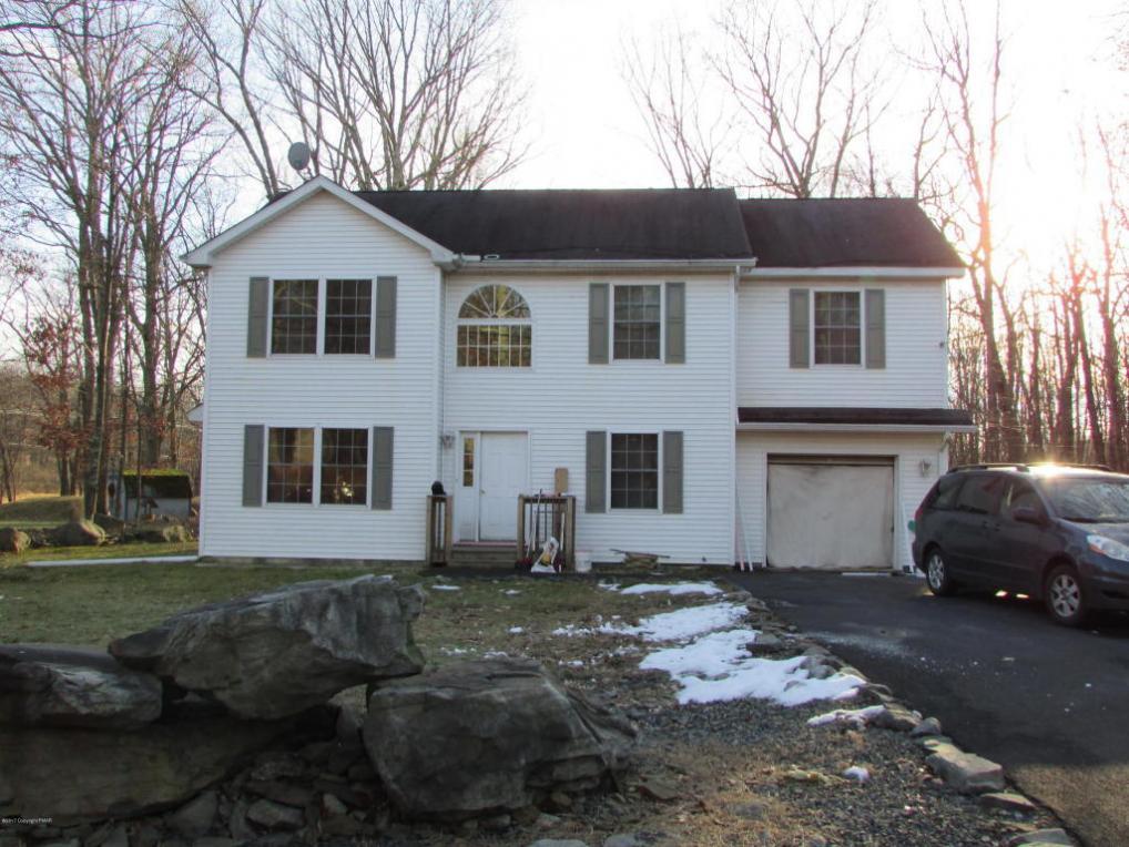 83 Bear Drive, Bushkill, PA 18324