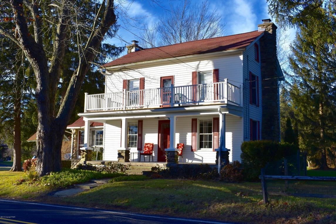 402 Lavender Ln, Stroudsburg, PA 18360