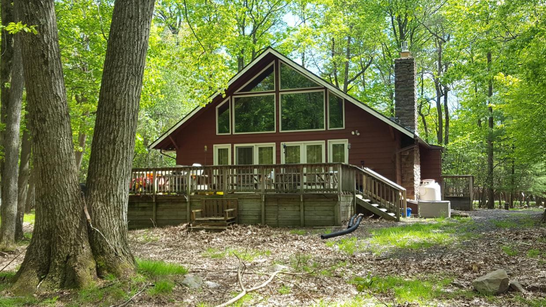 88 Estates Dr, Lake Harmony, PA 18624