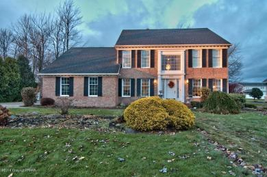 922 Appletree Road, Moscow, PA 18444