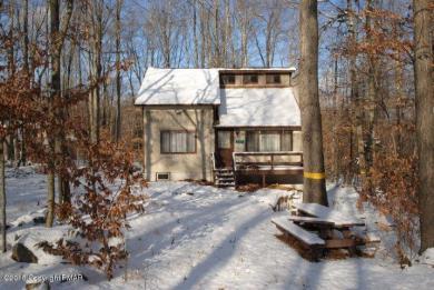 222 Muskwink Dr, Pocono Lake, PA 18347