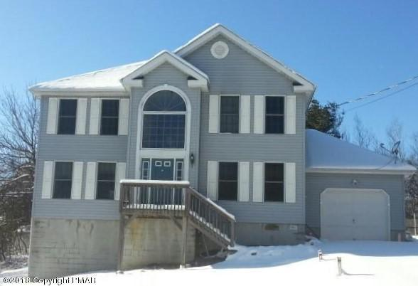 1485 Clover Rd, Long Pond, PA 18334