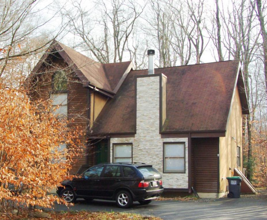 308 Winchester Dr, Tobyhanna, PA 18466