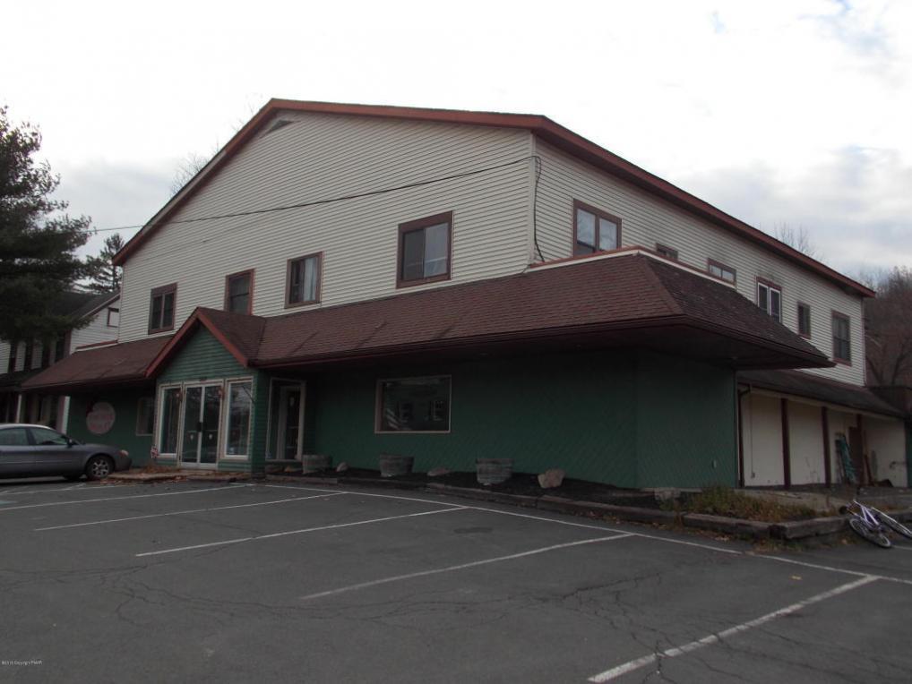 6631 Route 191 Rte, Cresco, PA 18326