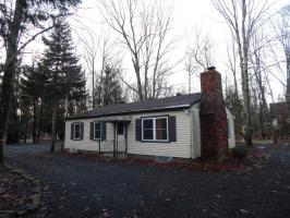 3280 Red Run Rd, Pocono Summit, PA 18346