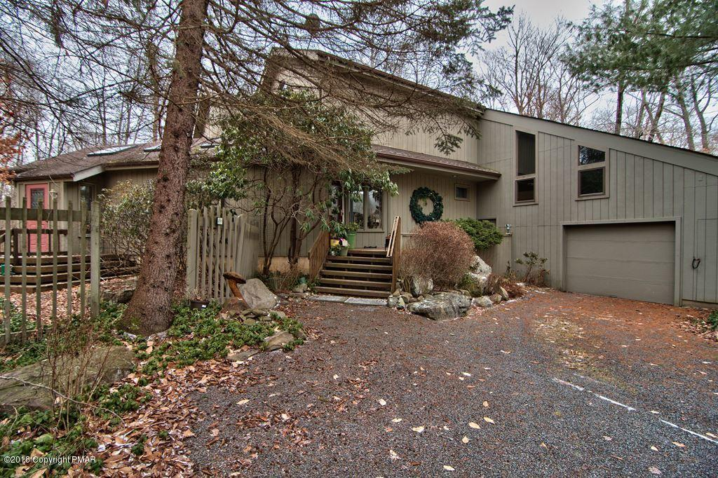 247 Buckskin Way, Pocono Pines, PA 18350