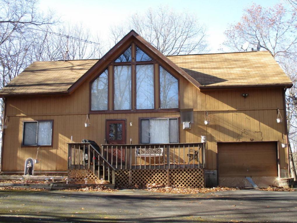 375 Mallard Ln, Bushkill, PA 18324