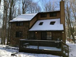 165 Ridge Rd, Pocono Lake, PA 18347