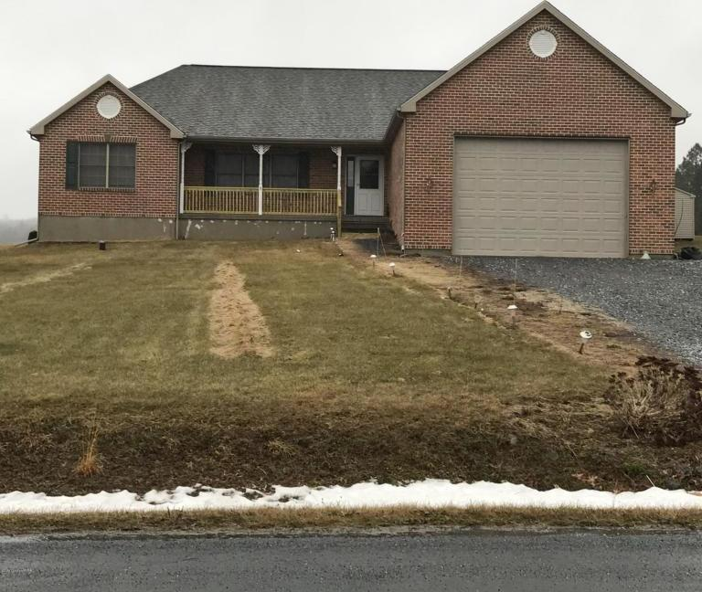 20 Pheasant Hill Dr, Kunkletown, PA 18058