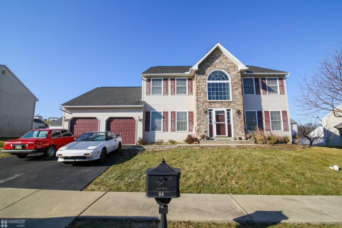 11 Brentwood Dr, Reading, PA 19610