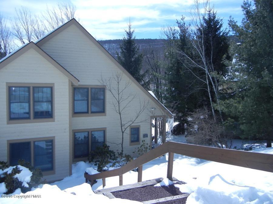 413 Hickory Dr, Tannersville, PA 18372