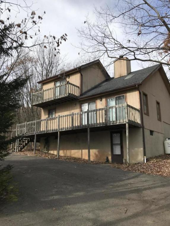 67 Arapohoe Rd, Albrightsville, PA 12864