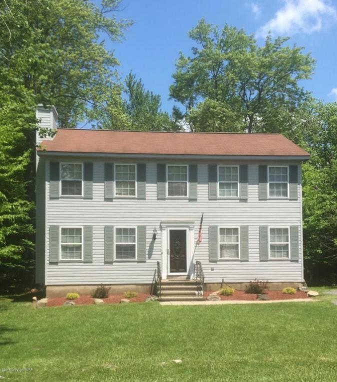 1843 Shadyside Dr, Tobyhanna, PA 18466