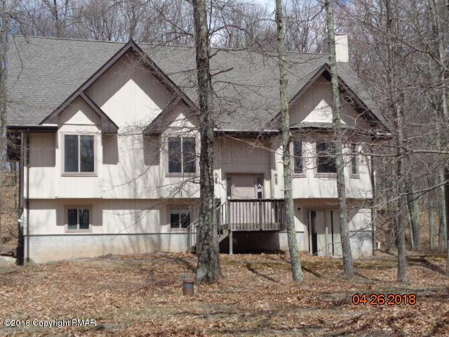 167 Fern Dr, Canadensis, PA 18325