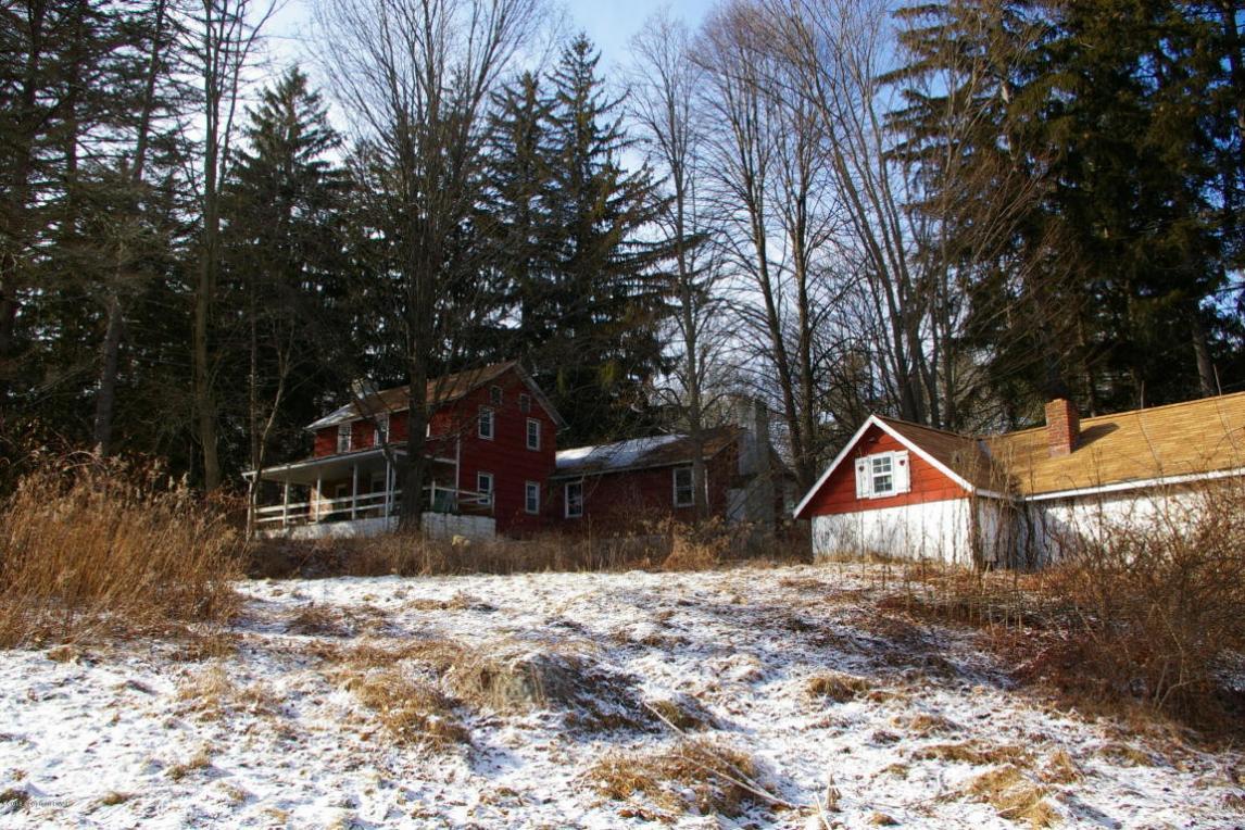 513 Grange Rd, Mount Pocono, PA 18344