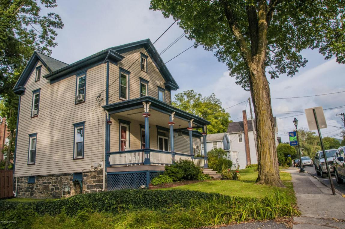 30 Main St, Delaware Water Gap, PA 18327