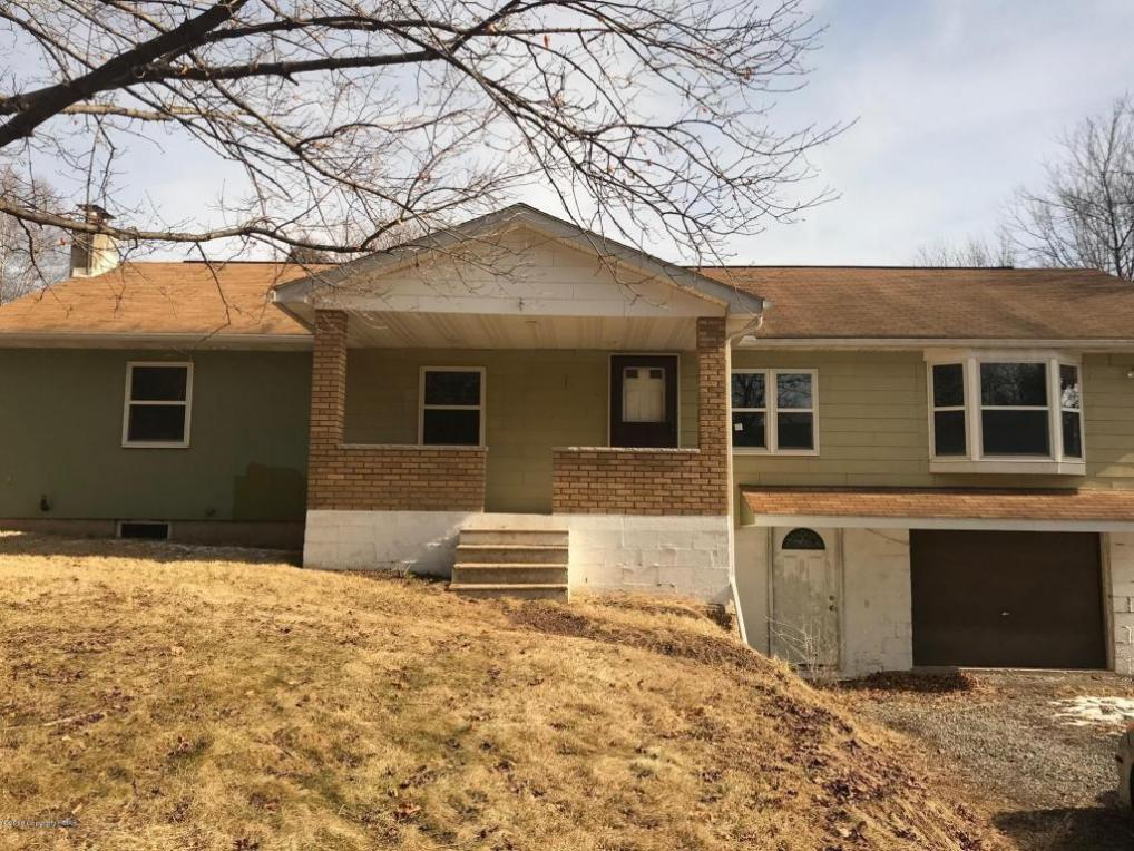189 N Harrity Rd, Parryville, PA 18244