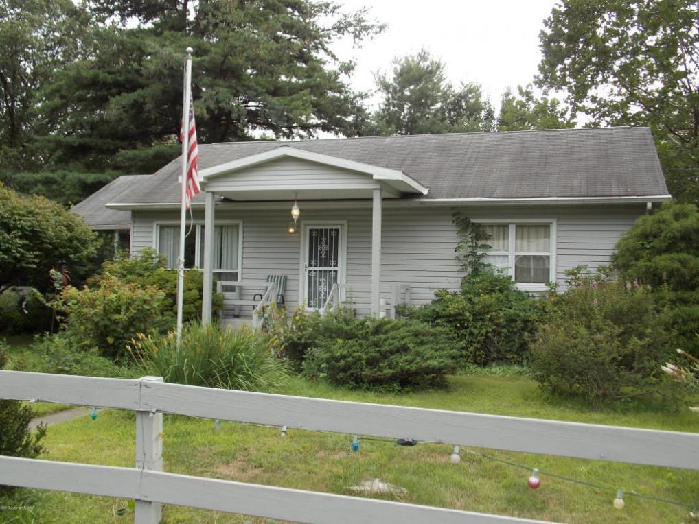 3118 Vanvliet Rd, East Stroudsburg, PA 18301