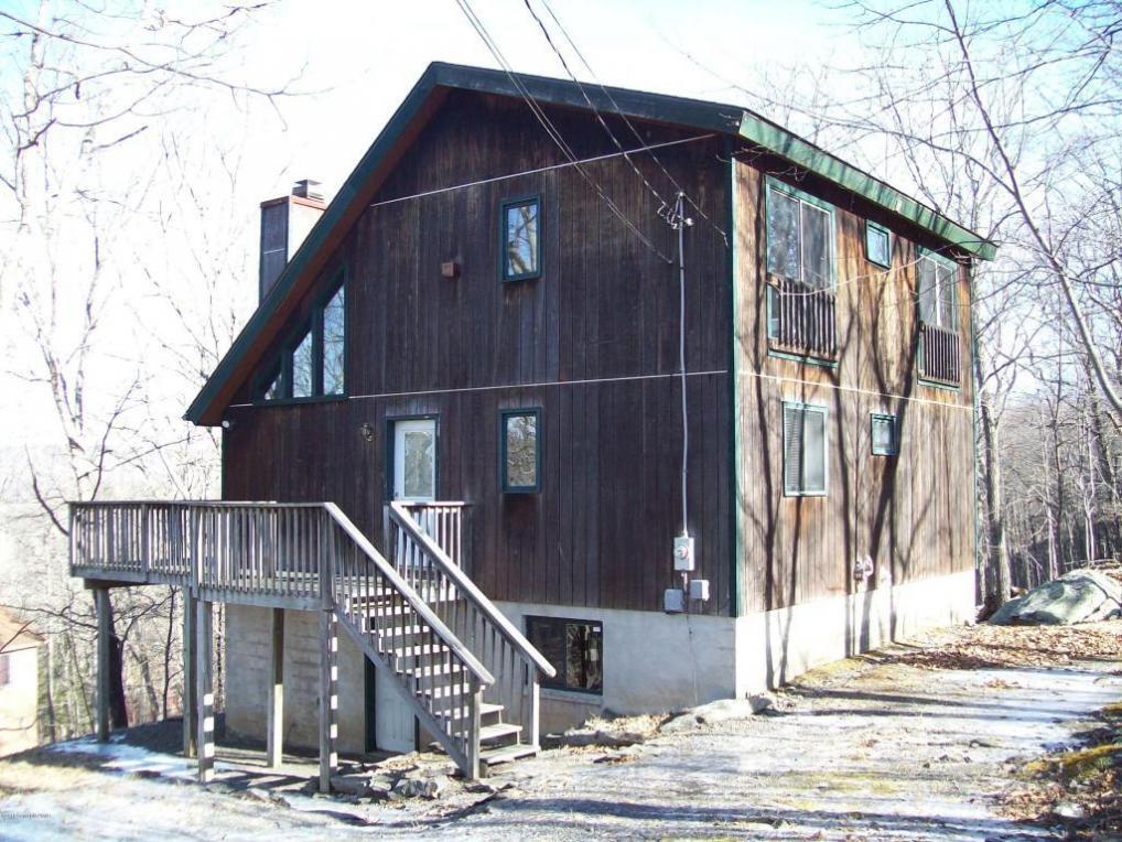 1085 Hampstead Rd, Bushkill, PA 18324