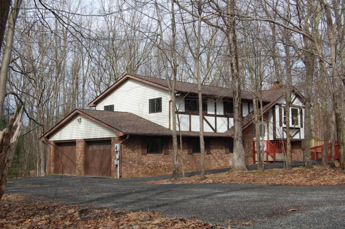 153 Pine Hollow Rd, Saylorsburg, PA 18353