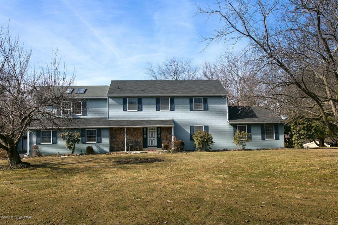 563 Longacre Dr, Cherryville, PA 18035