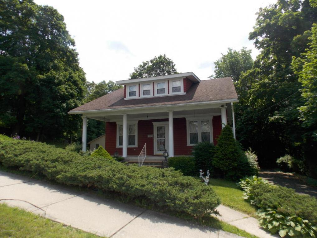 714 Center St, Jim Thorpe, PA 18229