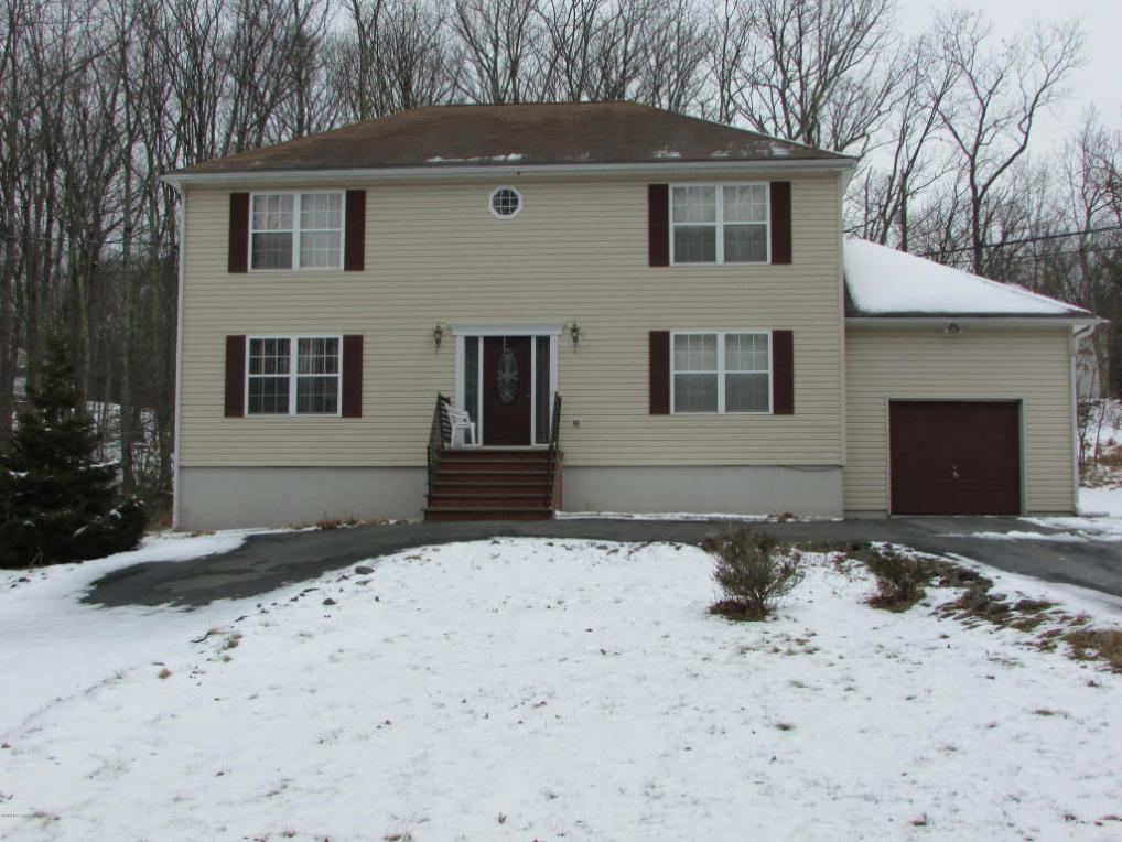 108 Hemlock Rd, Tannersville, PA 18372